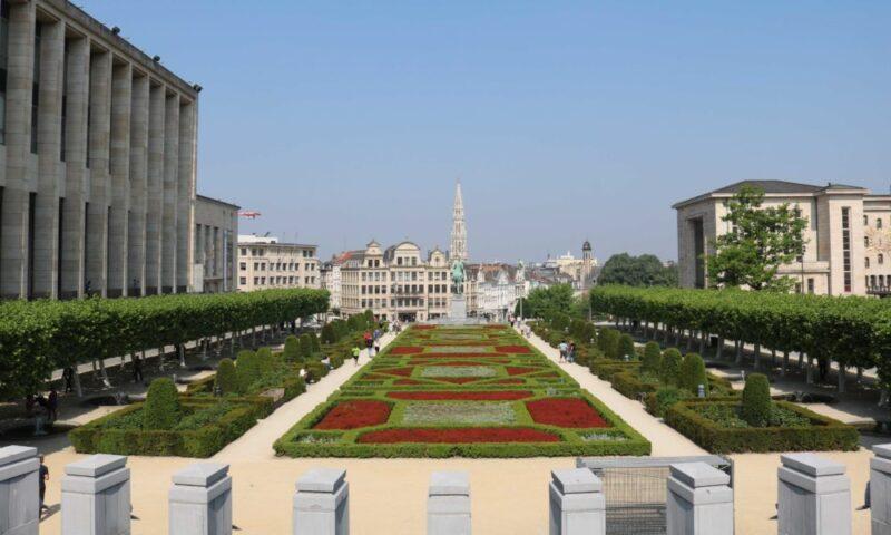 Parcs de Bruxelles : Mont des arts ciel bleu