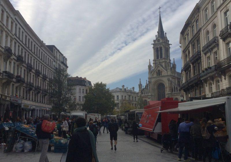 marché du parvis st gilles dimanche