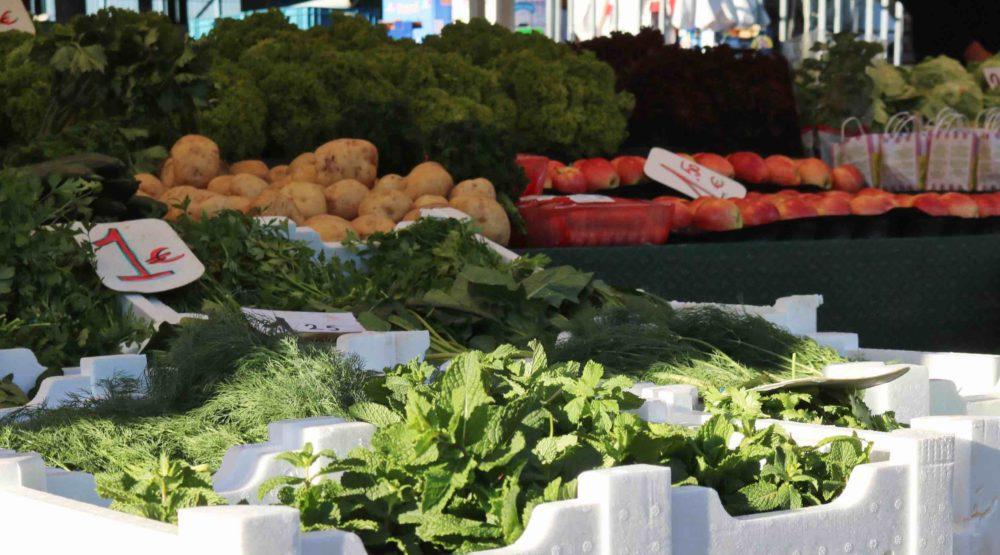 Marché-fruit-légumes-halle-abattoirs-Anderlecht