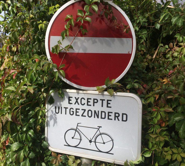 sens interdit vélo Bruxelles