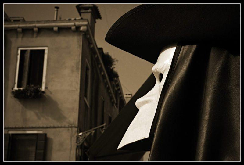 carnaval Belgique Venise bauta