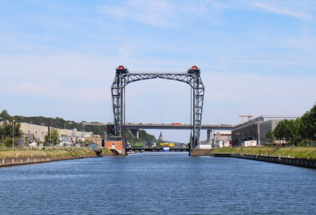 Pont de Bruxelles vu du Waterbus